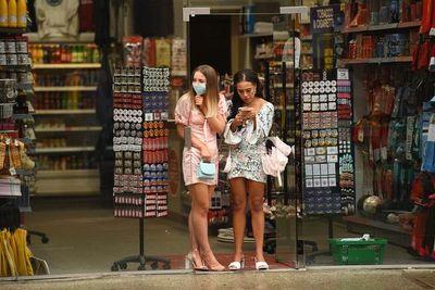 La mascarilla será obligatoria en las tiendas de Inglaterra a finales de julio