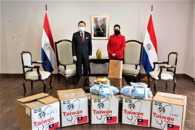 Taiwán entrega donación de 10.000 tapabocas para centros penitenciarios y educativos