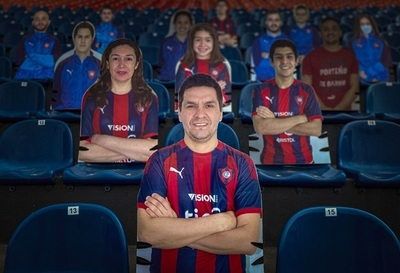 Cerro quiere llenar su estadio con figuras de PVC