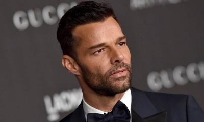 """HOY / Ricky Martin: """"Es locura que Trump no pida a las personas usar mascarillas"""""""