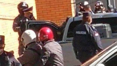 "Persecución policial termina con captura de presuntos ""delivery"" de droga"