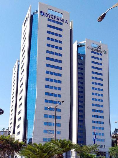 Cierran oficinas de la Dinac en el WTC por caso positivo de COVID-19