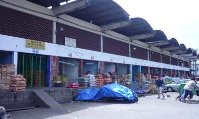 100 trabajadores van a cuarentena tras registrarse casos positivos de covid-19 en el Mercado de Abasto