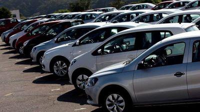 La importación de vehículos livianos, camiones y maquinarias agrícolas se redujo a más del 30%