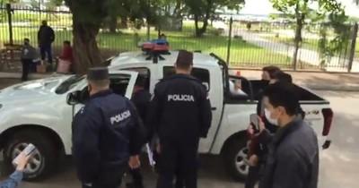 """""""Le vamos a llevar detenido porque se me antoja"""", dijo policía a estudiantes apostados frente al Congreso"""