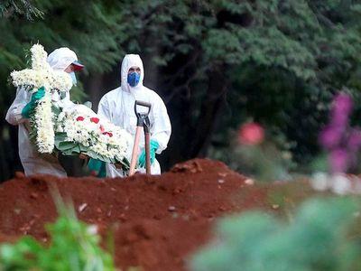 Brasil bordea los 2 millones de casos de coronavirus y supera las 75.000 muertes