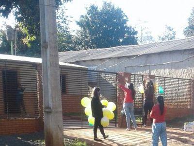 Familia con Covid-19 recibe apoyo de sus vecinos en Hernandarias