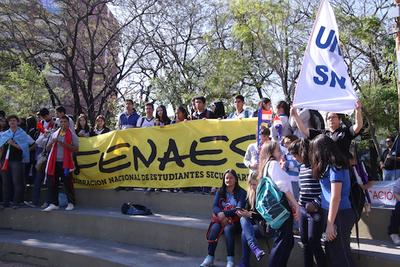 Estudiantes secundarios y universitarios anuncian protesta para exigir arancel cero