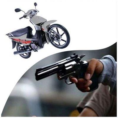 Motochorros armados despojaron a una mujer de su motocicleta en el centro de Pedro Juan Caballero