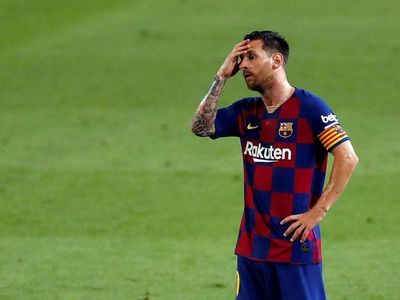 Osasuna asalta el Camp Nou y el Barça se queda sin Liga