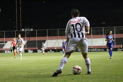 El descargo de una campeona de América sobre el fútbol femenino paraguayo
