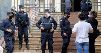 Ante aumento de delitos, Acevedo ordena que policías comisionados vuelvan a las calles