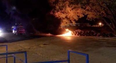 Desconocidos incendian cubiertas en la línea internacional