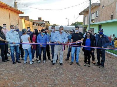 Municipalidad inauguró 4mil 575 metros cuadrados de pavimentación en barrio Guaraní