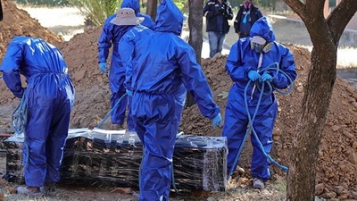 Los cementerios se llenan en la ciudad boliviana más afectada por la COVID-19