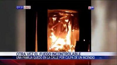 Incendio consume precaria vivienda en Itapúa
