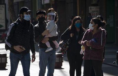 Chile reconoce un millar de nuevos muertos y la cifra total llega a 8.347