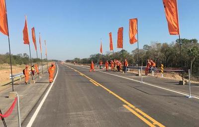 Inauguran 54 kilómetros del Corredor Vial Bioceánico