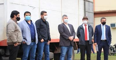 Entregan medicamentos y mascarillas para hospitales de Pilar y Alberdi