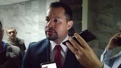 Ratifican prisión del diputado Ulises Quintana