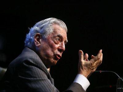"""Mario Vargas Llosa: """"es el momento de crear lectores"""" en el mundo"""