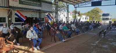 Otro contingente de compatriotas ingresó al país desde Argentina