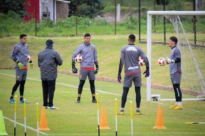 Árbitros dan negativo a nuevos test de COVID-19 y habilitan a entrenar a Guaraní y San Lorenzo