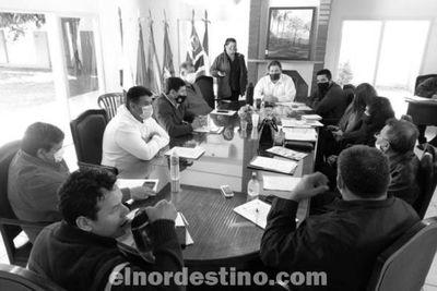 En la Junta Departamental de Amambay se gestionan trámites y se reciben reclamos acerca del servicio de la ANDE
