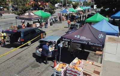 Heladeras comunitarias en Los Ángeles: comida gratis para los más necesitados