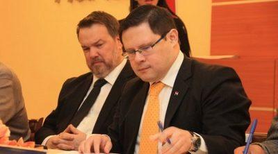 Viceministro explica el plan de reactivación económica