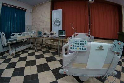 Qué pasó de las 100 camas de terapia que prometió el ministro de Salud