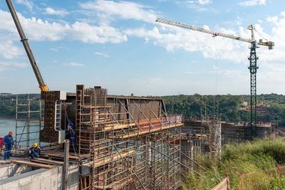 Puente de la Integración: Otra gigantesca viga llegó a la zona de obras
