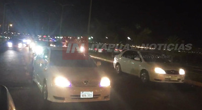 POLICÍA DISPERSÓ A CENTENARES DE PERSONAS AGLOMERADAS EN LA COSTANERA