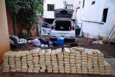 Decomisan 150 kilos de drogas traficado por el Lago de Itaipú