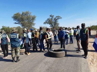 Indígenas cierran la Transchaco en el km 494