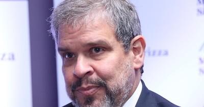 Exministro de Hacienda advierte que capacidad de pagar intereses llega a su tope