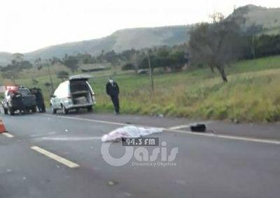 Motociclista muere arrollado por un camión sobre la Ruta PY 05