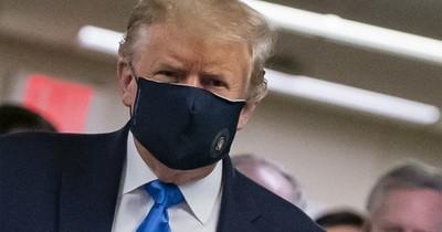 """Trump defiende el uso del tapabocas como gesto """"patriótico"""""""