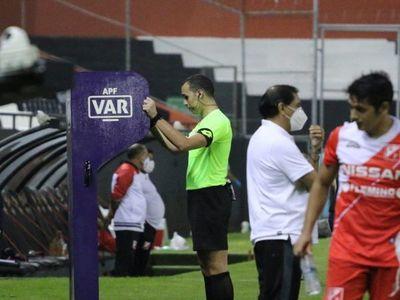 Vuelve el fútbol: Estos son los árbitros