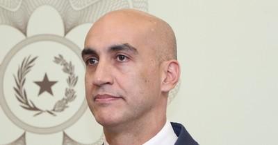 Mazzoleni debe salvar a su equipo técnico y desplazar al político, afirman diputadas