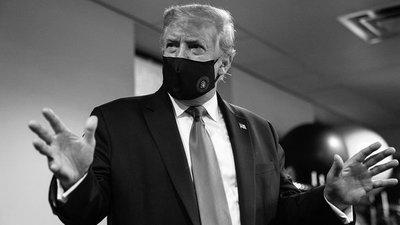 """Trump usa tapabocas y promueve su uso como """"gesto patriótico"""""""