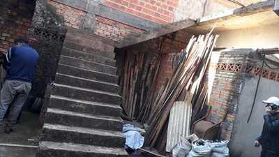 Constructor sexagenario muere al caer de una altura de tres metros en su casa