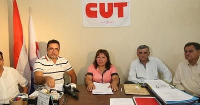 Centrales de trabajadores rechazan la política económica del Gobierno
