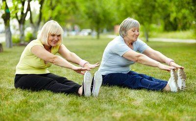 ¡Cuarentena saludable! Brindan lista de actividades físicas para mujeres mayores de 60 años