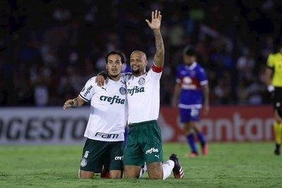 Gómez no arregla con Palmeiras y queda al margen por ahora