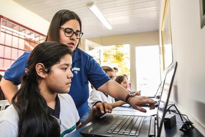 Lanzan programa de capacitación gratuito para docentes