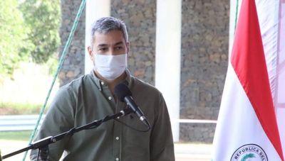 """Mario Abdo a Mazzoleni: """"Muchos de los que critican no hicieron ni una olla popular, vos salvaste vidas"""""""
