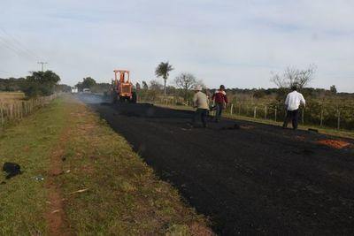 Obras de asfaltado avanzan sin inconvenientes en Ayolas