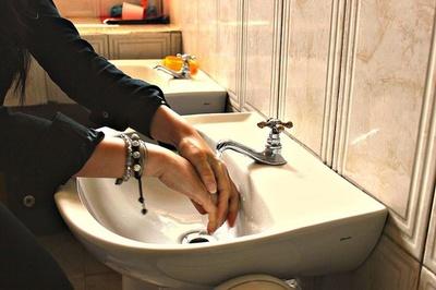 Se insiste en el lavado frecuente de las manos