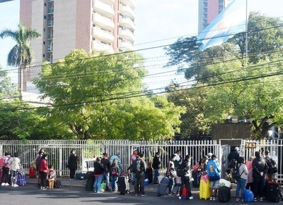 Embajada paraguaya en Argentina quedó sin recursos para asistir a compatriotas